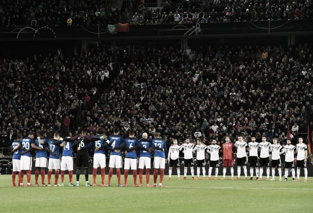 Los dos equipos concentrados. | Foto: (fff.fr)