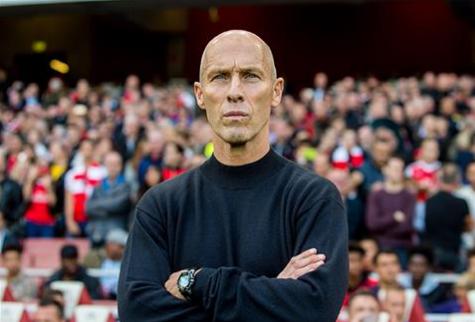 Bradley con gesto serio durante el partido. Fuente: Swansea