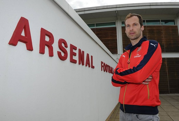 Cech el día de su fichaje por el Arsenal | Fotografía: Arsenal