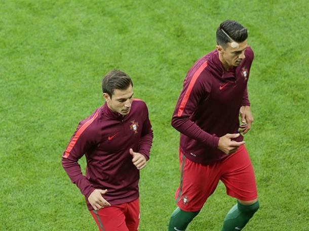 Fonte and Cedric return to Southampton as Euro 2016 champions. Photo source: Saintsfc