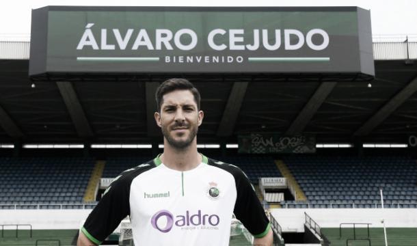Álvaro Cejudo es uno de los grandes fichajes de este año (www.realracingclub.es)