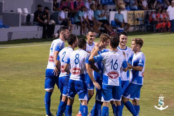 El Alcoyano celebra el gol del triunfo ante el Elche | Foto: CD Alcoyano - Silvia Calatayud