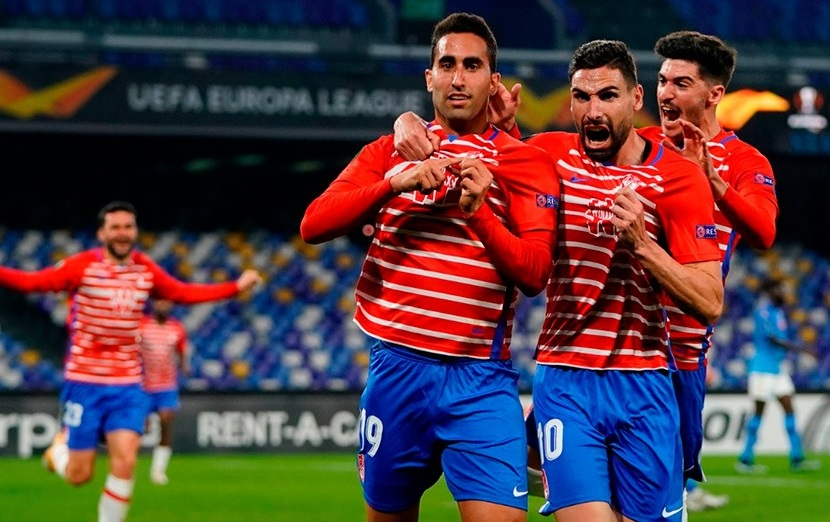 Montoro celebra su gol al Nápoles   Foto: Pepe Villoslada / Granada CF