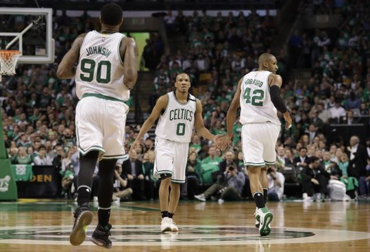 Boston Celtics guard Avery Bradley (0) and center Al Horford (42) react during the game. Photo:David Butler II-USA TODAY Sports