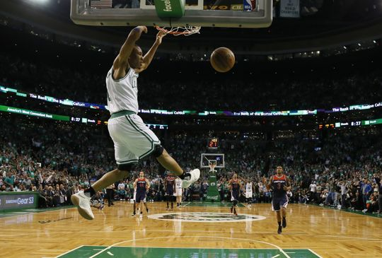 Boston Celtics guard Avery Bradley (0) dunks the ball during the game. Photo:David Butler II-USA TODAY Sports
