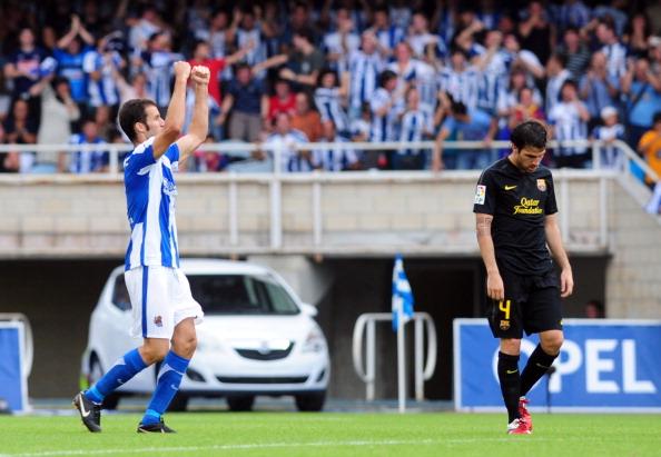 Fàbregas até marcou, mas a Sociedad buscou o empate (Foto: Rafa Rivas/AFP/Getty Images)