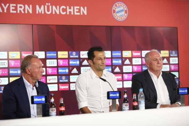 (CEO - Diretor de Esportes - Presidente) - (Foto: Reprodução/FCBayern)