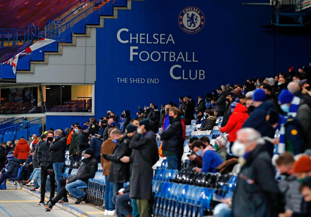 Aproximadamente 2.000 aficionados del Chelsea pudieron volver al estadio, con distanciamiento y tapabocas / Foto: Chelsea FC