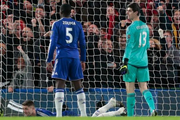 Courtois and Zouma look on in despair after conceding (photo: getty)