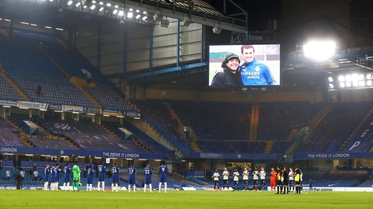 El homenaje a Diego Armando Maradona en la previa. Foto: Premier League