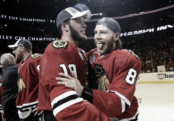 Chicago necesita a los mejores Toews y Kane para repetir esta imagen Foto: Nam Y. Huh/AP Photo