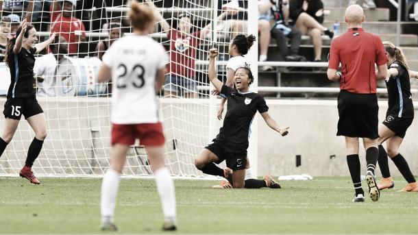 Yuki Nagasato scores for the Chicago Red Stars at Toyota Park in Bridgeview, IL on July 1, 2018 | Photo: NWSLsoccer.com