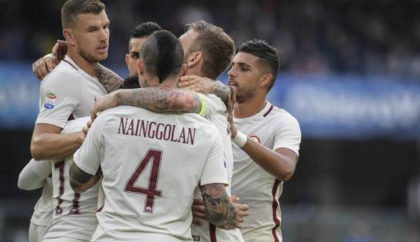 La Roma si stringe attorno ai suoi tenori offensivi, protagonisti nel pirotecnico 3-5 col Chievo. Fonte foto: giornaledipuglia.com