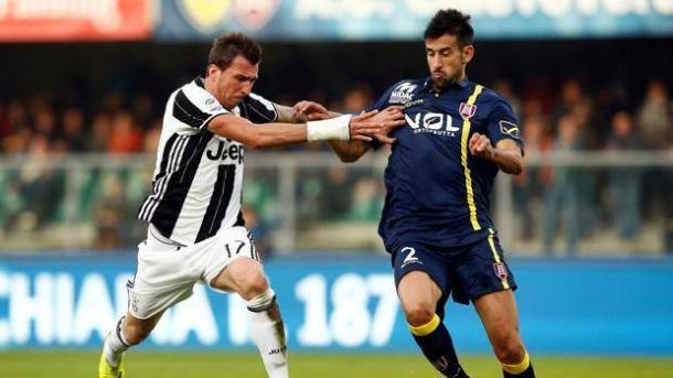 Un'immagine della partita d'andata, terminata 2-1 per i bianconeri | Reuters
