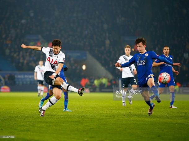 Heung-Min Son fires home in Tottenham's 2-0 win over Leicester in the FA Cup Third Round reply last season | Photo: Getty/ Plumb Images