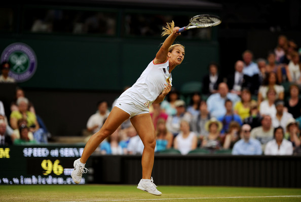 Cibulkova in quarterfinal action at Wimbledon against Sharapova (Photo by Clive Mason / Source : Getty Images)