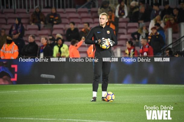 El holandés en el calentamiento del FC Barcelona 4-0 RC Deportivo