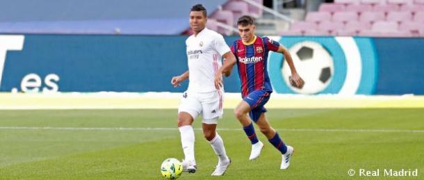 Casemiro y Pedri en el Clásico del pasado fin de semana. Fuente: Real Madrid