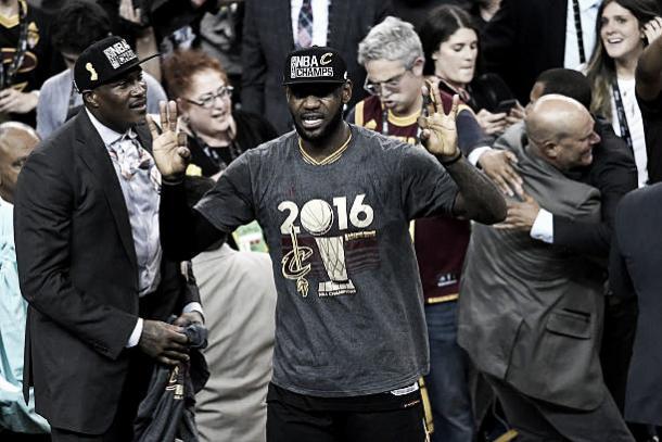 O jogador durante comemoração de uma virada histórica nas finais da NBA de 2016 (Foto: Thearon Henderson/Getty Images)