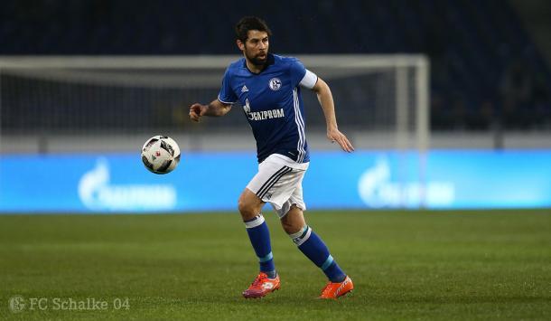 Coke durante un encuentro con el Schalke 04. Fotografía: FC Schalke 04