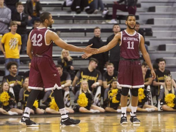 Cole (r.) has been one of the dominant guards in college basketball this season/Photo: College Court Report