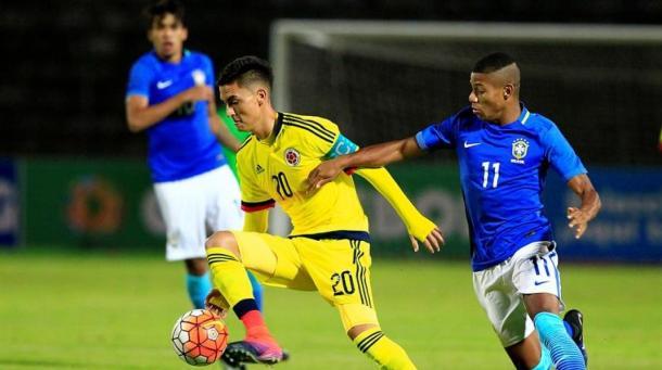 Neres disputando un partido con Brasil sub-20 / Fuente: zonacero.com