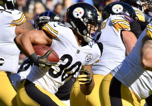 James Conner continues to make Le'Veon Bell irrelevant in Pittsburgh | Source: Tommy Gilligan, USA TODAY Sports