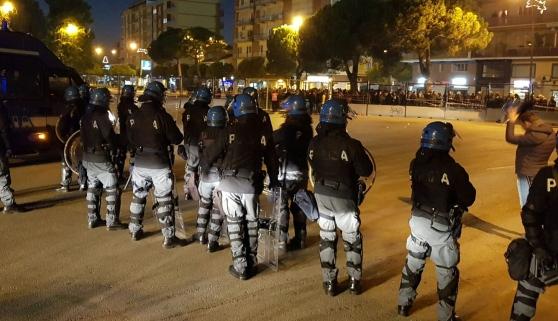 La contestazione dei tifosi Pescaresi (Fonte foto: Il Centro)