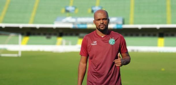 Experiente zagueiro Edson Silva é um dos reforços dos campineiros para a Série B (Foto: Divulgação/Guarani)
