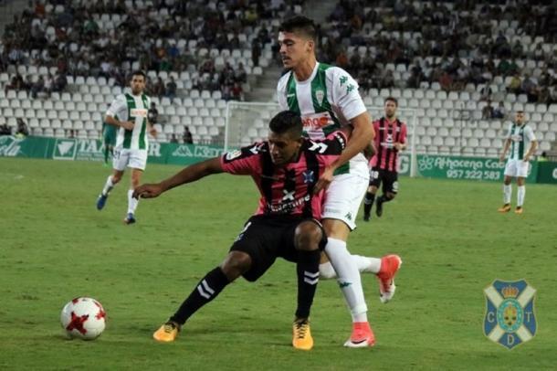 El Tenerife pasó a dieciseisavos de final tras imponerse en Córdoba. Fuente: clubdeportivotenerife.es