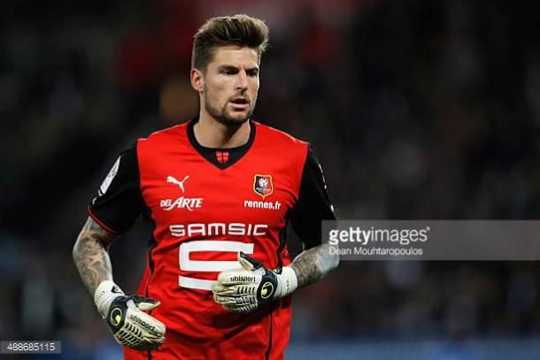 Benoit Costil could seen be on his way out of Stade Rennais | Photo: Getty/ Dean Mouhtaropulos