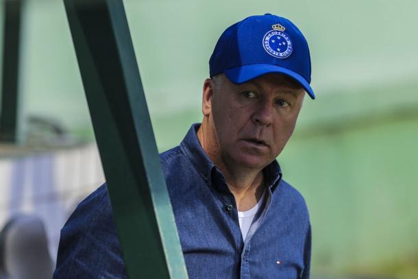 Mano não estabeleceu prazo, mas disse que conversará primeiro com a nova diretoria do Cruzeiro (Foto: Geraldo Bubniak/Light Press/Cruzeiro)