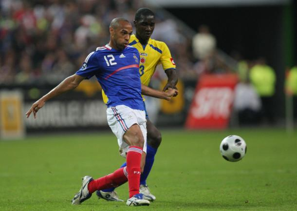 Cristian Zapata (COL) y Thierry Henry (FRA) | Foto: Goal.com