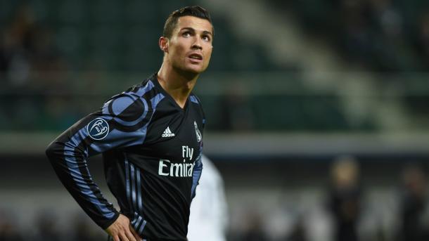 La frustrazione di Ronaldo dopo il 3-3 del suo Real contro il Legia Varsavia (Fonte foto: Goal.com)
