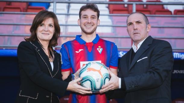 Sebastián Cristóforo, en su presentación como jugador eibarrés. Foto: Web oficial SD Eibar.