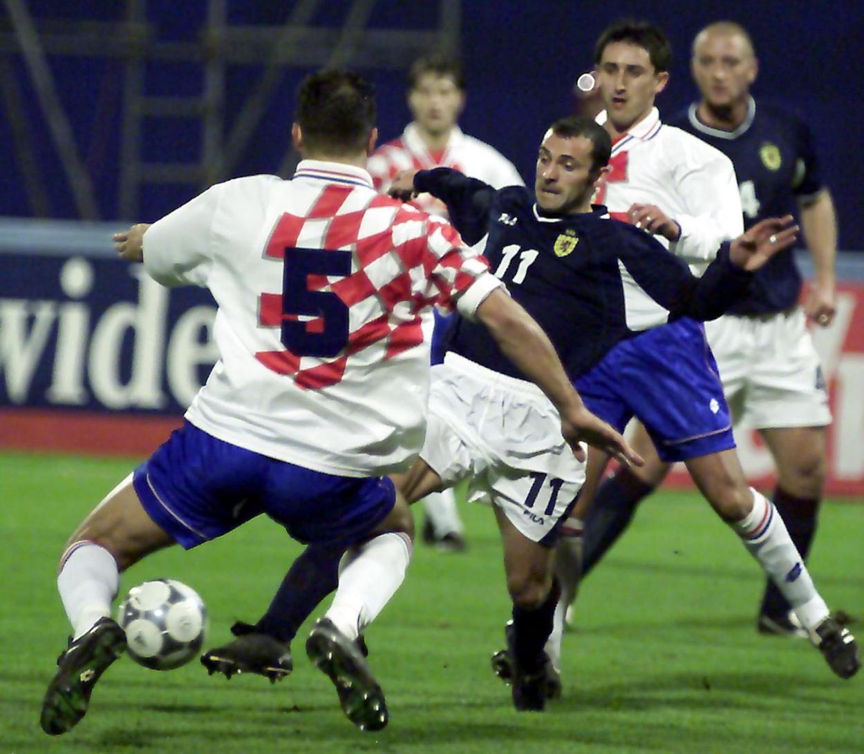 Croacia y Escocia disputando un partido en el 2000. Foto: Daily Record