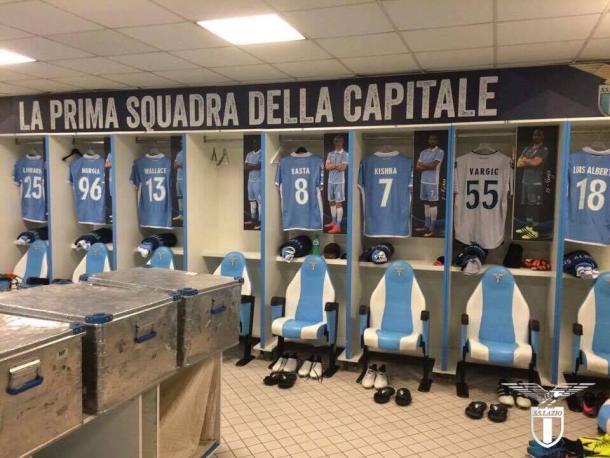 Una parte dello spogliatoio della Lazio nella giornata odierna.   SS Lazio, Twitter.