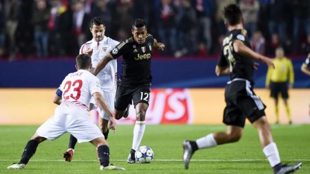 Alex Sandro in progressione durante la partita dello scorsa stagione. | Eurosport.