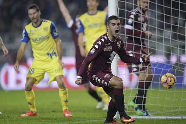 Iago Falqué, fra l'altro ex Genoa, abbatte il Chievo ed esulta.   torinofc.it