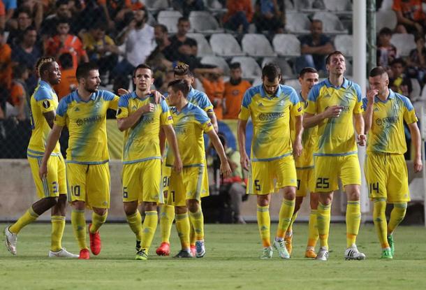 L'APOEL esulta dopo il gol-vittoria. | Twitter.