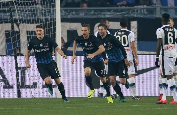 Kurtic festeggia dopo la sua rete, inutile, siglata all'Udinese. | ecodibergamo.it