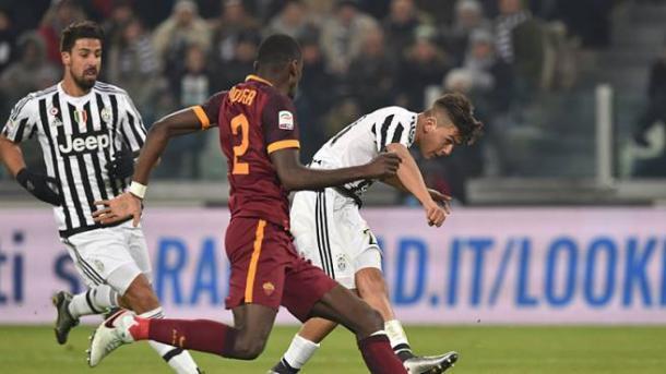 Dybala infila nell'angolo la palla dell'1-0, decisiva, nel match di ritorno della scorsa stagione. | sportal.it