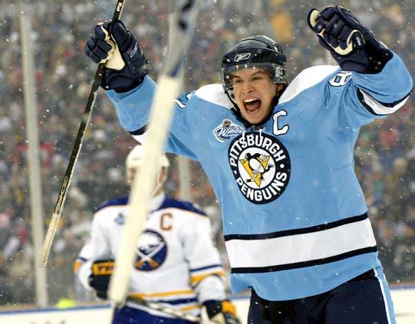 Sidney Crosby en el Winter Classic 2008 | Foto: Don Heupel/AP