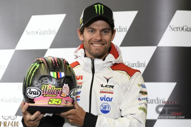 Crutchlow beaming with delight as he unveils helmet in tribute to new daughter Willow - www.gpone.com