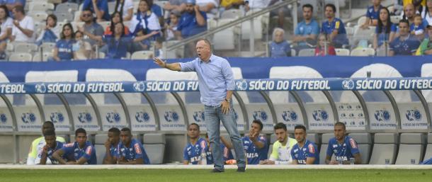 Mano diz que tem que consertar a falta de objetividade do time nos jogos em casa. (Foto: Washington Alves/Light Press/Cruzeiro)