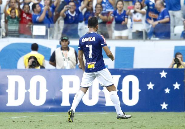 Sanchez Miño marcou seu único gol da Raposa contra o Guarani-MG (Foto: Washington Alves/Light Press)