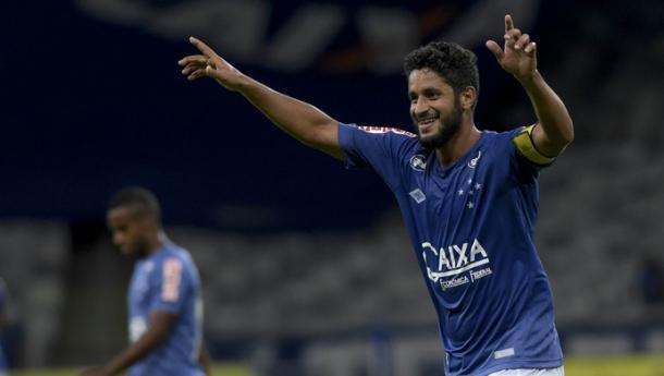 Muitas vezes capitão do time, Léo também faz parte da lista de zagueiros artilheiros do Cruzeiro. (