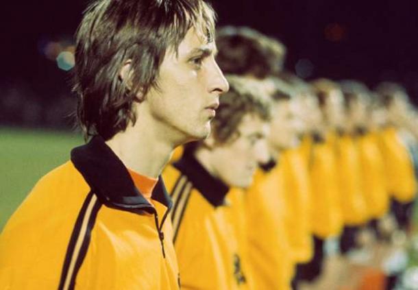 Foto de Johan Cruyff antes de un  partido del Mundial de 1974. Fuente: worldjohancruyff