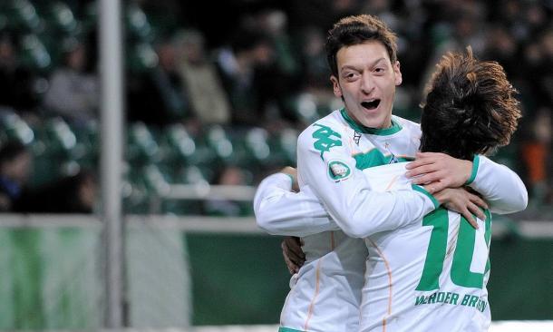 Mesut Özil en su paso por el Werder Bremen antes de fichar por el Schalke 04   Fuente: SV Werder Bremen