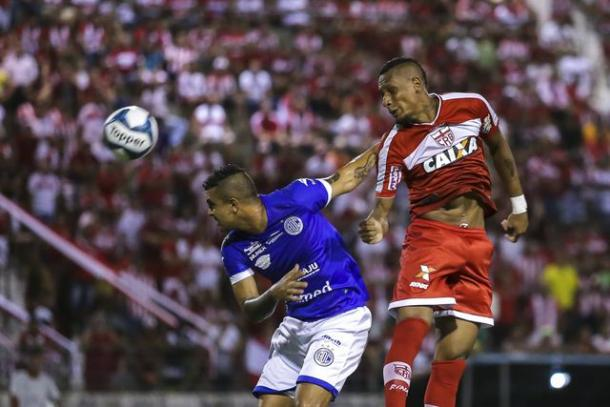 Primeiro tempo é truncado, mas com leve vantagem para o Galo (Foto: Alisson Frazão/Especial à VAVEL Brasil)